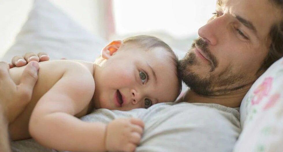 Hombres gozarán de licencia por ser papás igual que mujeres en Finlandia